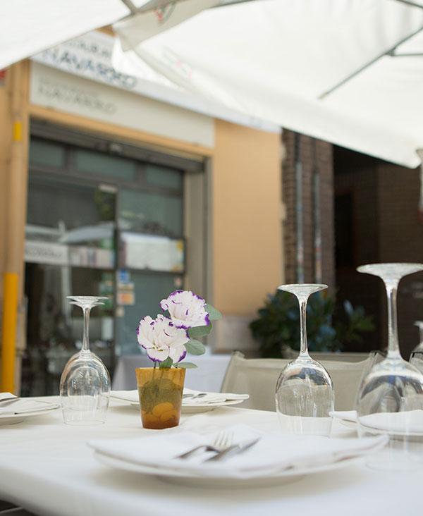 inicio-ensalada-restaurante-navarro-cocina-mediterranea-centro-valencia-exterior