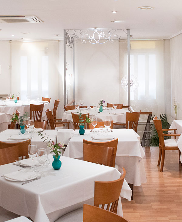 inicio-entrante-restaurante-navarro-cocina-mediterranea-centro-valencia-interior